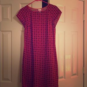 A red and blue box dress